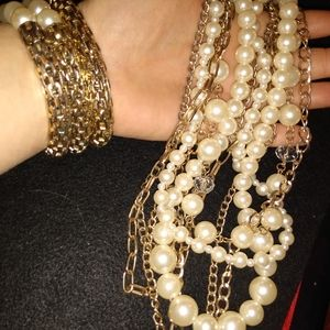 Vintage faux pearl necklace and bracelet set